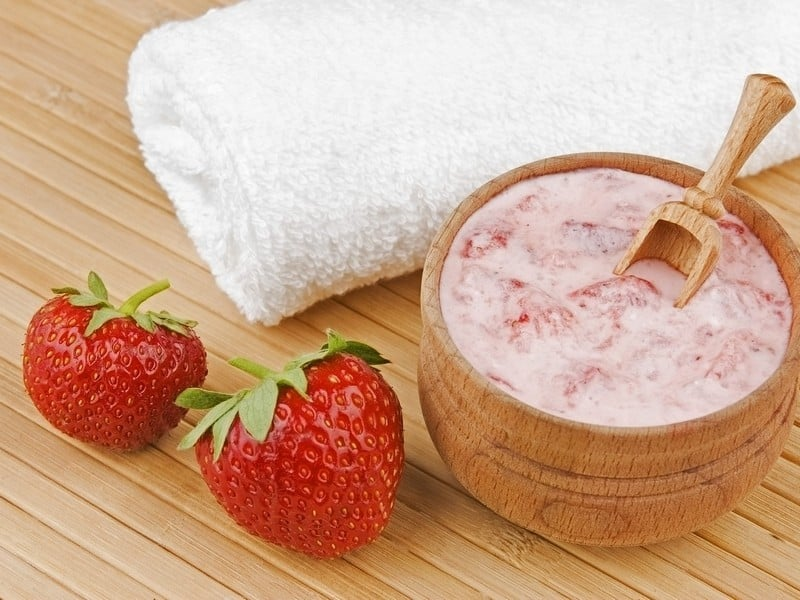 Make Your Skin Young Again: 4 Strawberry Mask Recipes Skin Care>Skin Care at Home