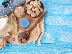 Salt VS Sugar Scrub: The Battle Of The Age Body Care